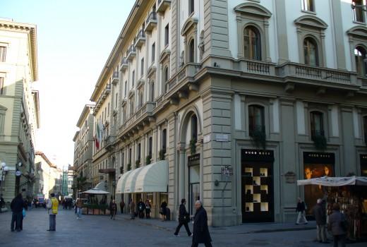 Piazza_della_Repubblica_in_Florence_03